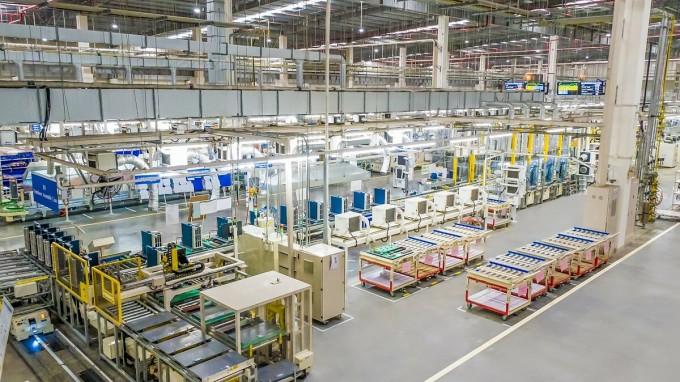 Làn sóng dịch chuyển đầu tư của doanh nghiệp ngoại vào Việt Nam.