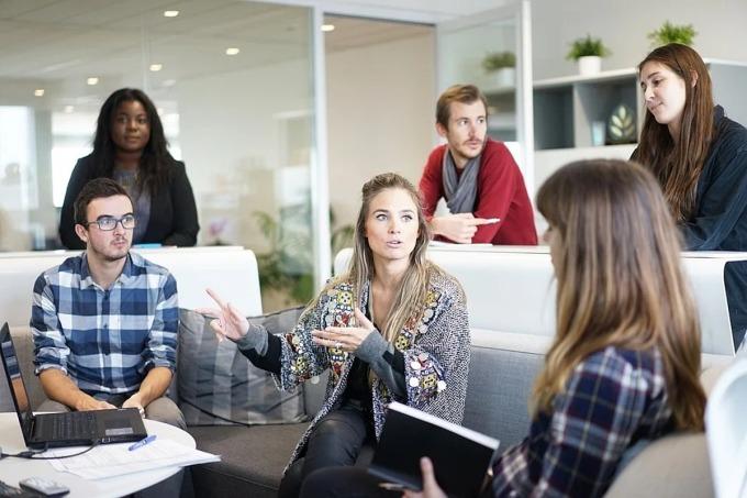 Nhóm có thành viên đa dạng về hiểu biết và kỹ năng sẽ có thể đạt hiệu quả hơn trong các quyết định mang tính nghiên cứu, cải tiến. Ảnh: Pixabay