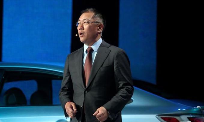 Tân Chủ tịch Euisun Chung. Ảnh: Reuters