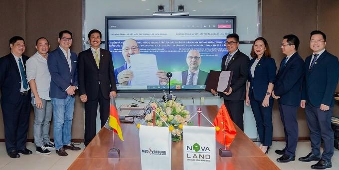 Sự kiện ký kết hợp tác giữa Novaland và tập đoàn y tế từ Đức, MediVerbund AG diễn ra hôm 9/10. Ảnh: Novaland.