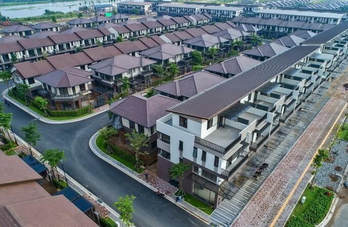 Các mẫu nhà phố vườn, biệt thự song lập, đơn lập, shophouse dòng Valora phân khu Rivera 1 chuẩn bị bàn giao sau một năm triển khai xây dựng. Ảnh: Nam Long.
