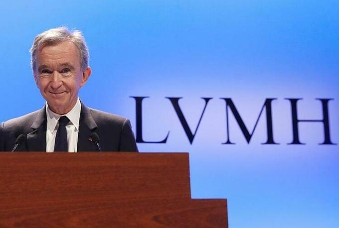 Ông chủ LVMH Bernard Arnault hiện giàu nhất châu Âu. Ảnh:AP