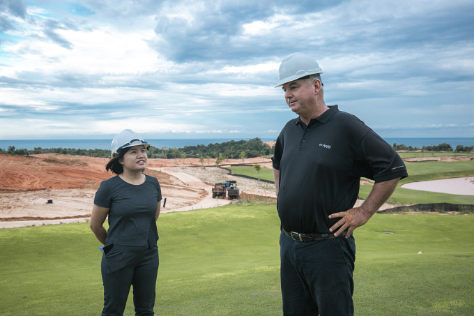 Ông Joseph Maxwell Cagle - quản lý dự án thi công sân golf tại NovaWorld Phan Thiet kỳ vọng đây sẽ là một trong những sân golf đẹp nhất Việt Nam với tầm nhìn hướng biển thơ mộng, dự kiến cụm sân Ocean sẽ đưa vào hoạt động vào cuối năm nay.