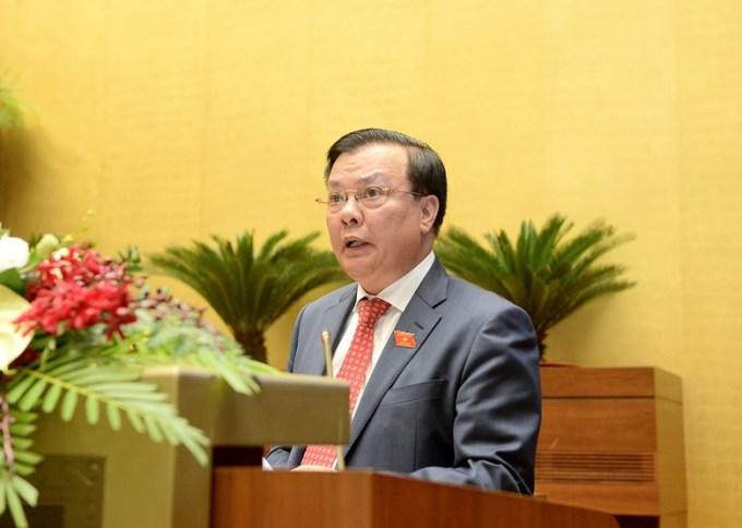 Bộ trưởng Bộ Tài chính Đinh Tiến Dũng tại phiên họp Quốc hội chiều 20/10. Ảnh: Trung tâm báo chí Quốc Hội.