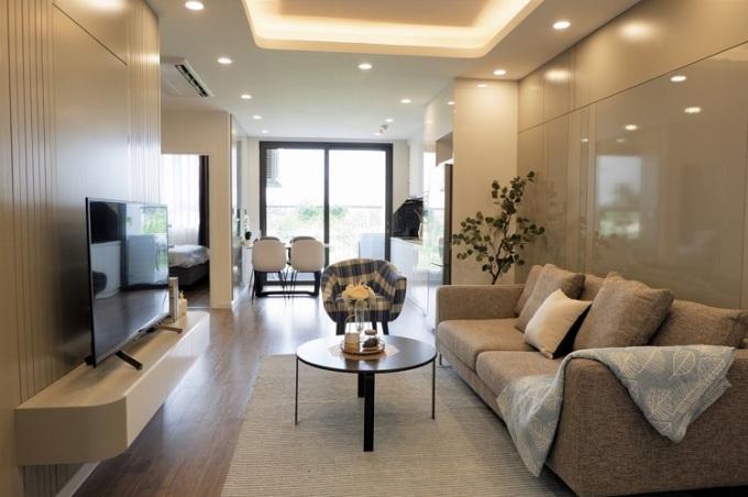 Tại những căn hộ hoàn thiện, khách được tham quan, trải nghiệm thực tế sản phẩm trước khi xuống tiền. Ảnh: AQH.