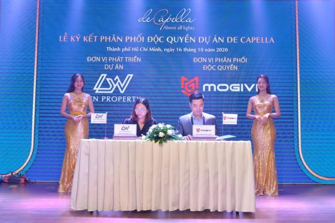Lễ ký kết phân phối độc quyền de Capella giữa Lyn Property và Mogivi. Ảnh: ______________