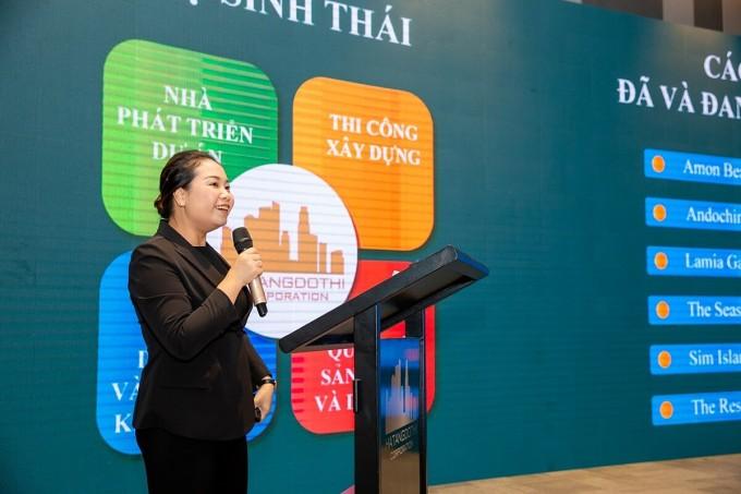 Bà Hoàng Thị Thu Hương - Tổng giám đốc công ty Cổ phần Tập đoàn Hạ tầng Đô thị Corporation phát biểu tại lễ ra mắt dự án The Residence Phú Quốc. Ảnh: HTĐP Corp.