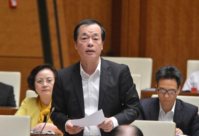 Bộ trưởng Xây dựng Phạm Hồng Hà trong phiên chất vấn tại Quốc hội sáng 9/11. Ảnh: Trung tâm báo chí Quốc hội.