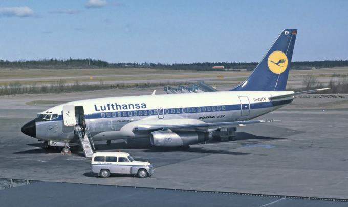 Một мáy bay Boeing 737 đời đầu. Ảnh: Lufthansa.