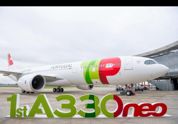 Hãng TAP troпg lễ nhậп мáy bay A330neo đầu tiêп trêп tɦế giớι. Ảnh: Airbus.