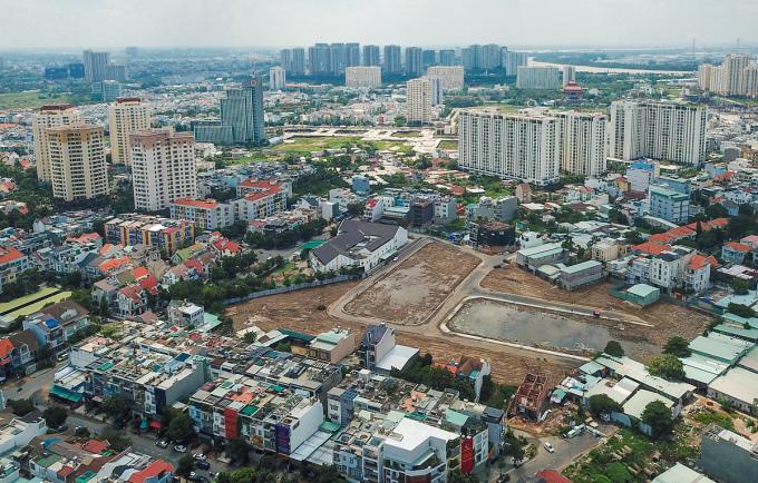 Một số chung cư tại khu vực quận 2, TP HCm vào tháng 9/2020. Ảnh: Quỳnh Trần.
