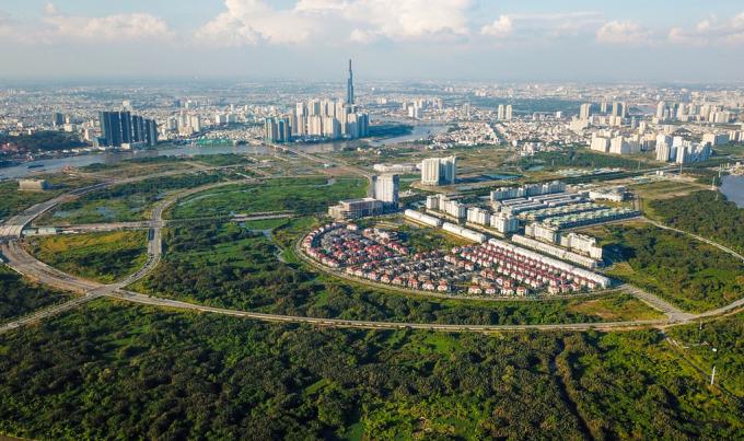 Thị trường bất động sản Thủ Thiêm, một trong những khu đô thị hạt nhân của TP HCM và của cả Thành phố Thủ Đức. Ảnh: Quỳnh Trần.