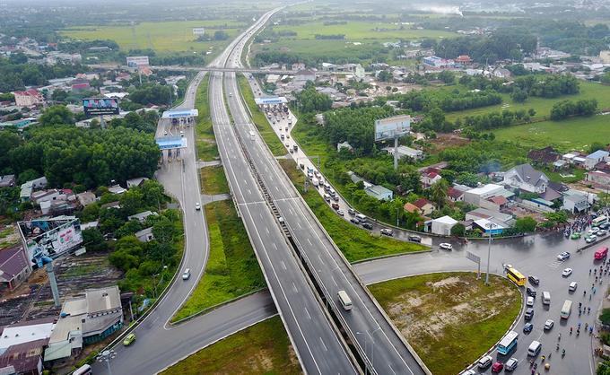Cao tốc TP HCM - Long Thành - Dầu Giây đang được triển khai mở rộng. Ảnh: Quỳnh Trần.