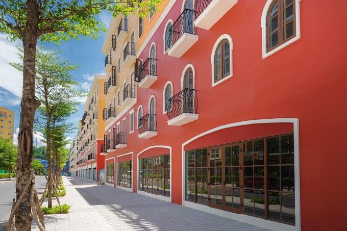 Các căn nhà phố Sun Grand City New An Thoi cao 5 tầng với mặt tiền lên tới 8 m và diện tích sử dụng có thể lên tới 600 m2. Ảnh: Sun Group.