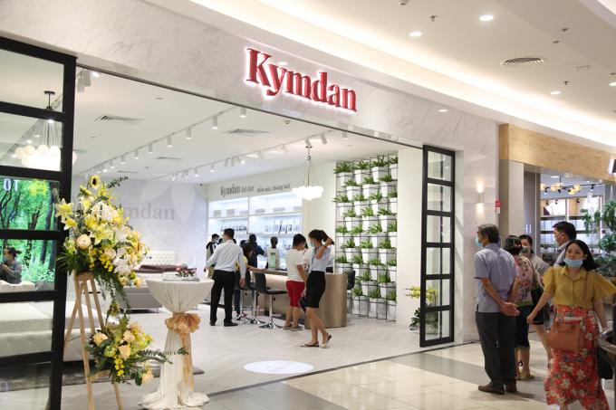 Cửa hàng cao cấp Kymdan tại tầng 2 Aeon Mall Tân Phú Celadon mang đến không gian xanh mát.  Ảnh: Kymdan.