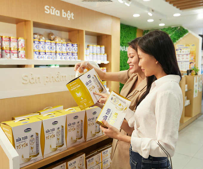 Vinamilk là thương hiệu sữa được người tiêu dùng Việt Nam chọn mua nhiều nhất 8 năm liền và 6 lần liên tiếp được vinh danh thương hiệu quốc gia.