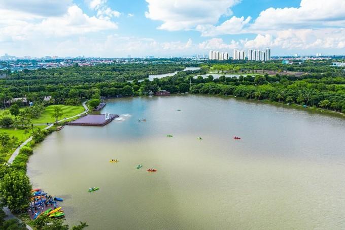 Công viên hồ Thiên Nga tại Ecopark. Ảnh: Ecopark.