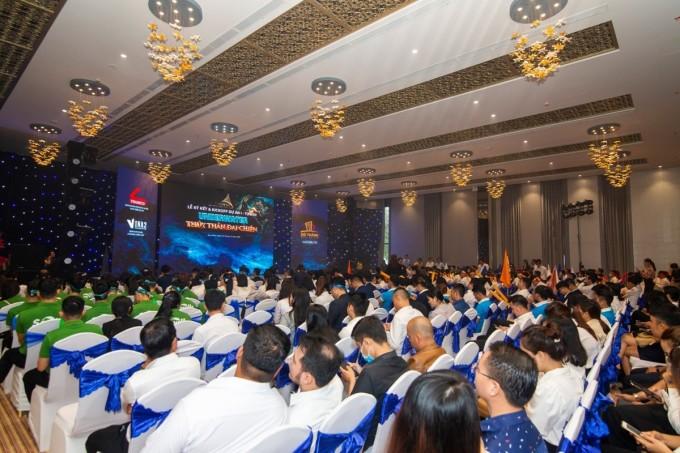 Sự kiện ra quân dự án I-Tower Quy Nhơn thu hút gần 500 chuyên viên kinh doanh đến từ nhiều đơn vị phân phối. Ảnh: Đô Thành.