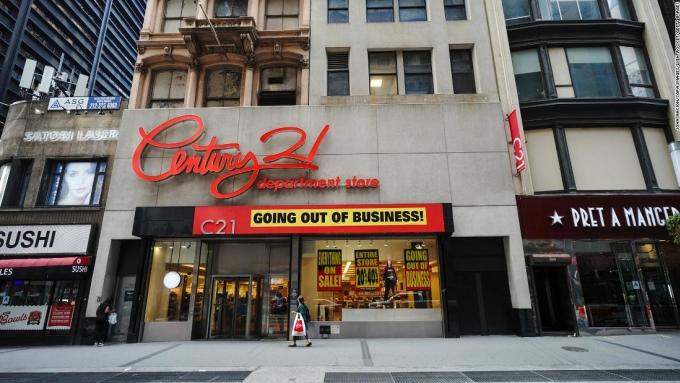 Tất cả các cửa hàng của Century 21 đã phải đóng cửa. Ảnh: Century 21.
