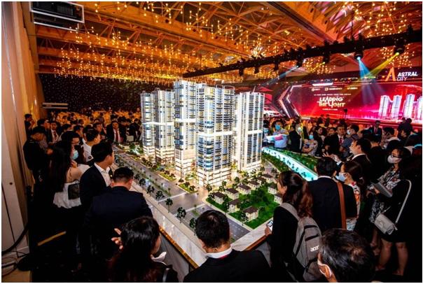 Sự kiện ra mắt dự án Astral City thu hút hàng nghìn khách hàng.