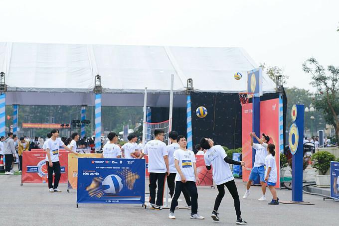 Đại diện ban tổ chức cho biết, khởi đầu bằng môn chạy bộ, trong thời gian tới, các hoạt động thể thao trường học sẽ không ngừng mở rộng về quy mô và chất lượng tổ chức.