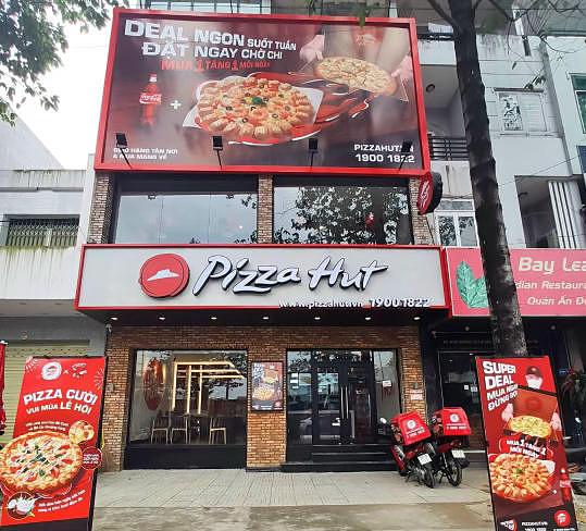 Cửa hàng thứ 100 của Pizza Hut Việt Nam tại Biên Hòa.
