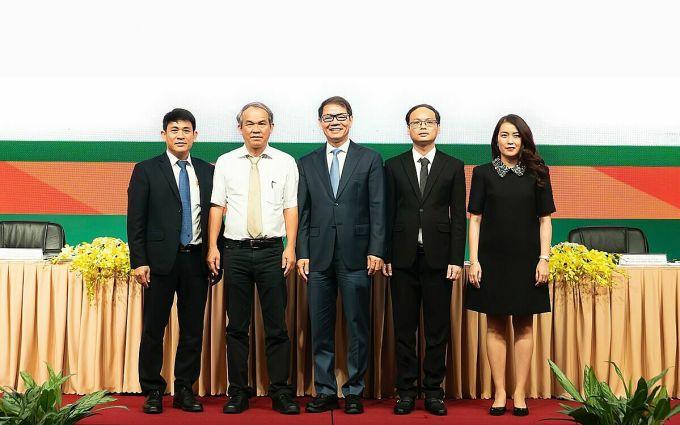 Bầu Đức và ông Trần Bá Dương giữ hai ghế quan trọng nhất trong Hội đồng quản trị của HAGL Agrico. Ảnh: HL.