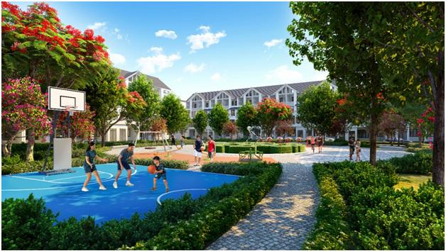 Khu vực sân thể dục thể thao, đường chạy bộ thoáng rộng trong khu đô thị Hinode Royal Park.