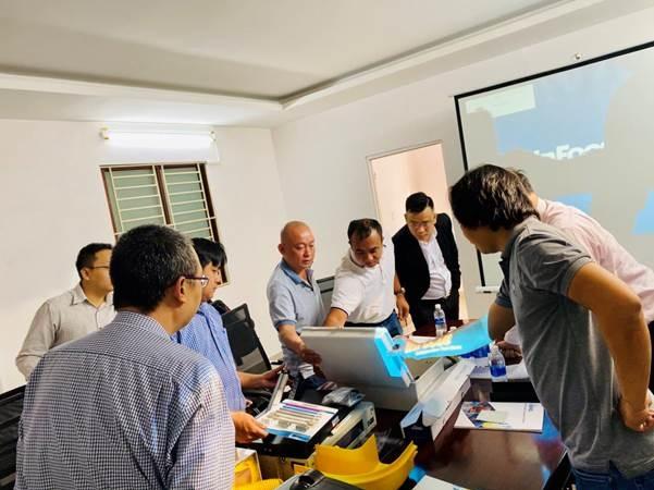 Các thành viên của đơn vị đối tác và InBERG tại Việt Nam. Ảnh: Kim Long Corp.