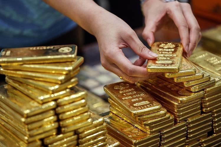 Giá vàng thế giới giảm mạnh vì đôla tăng