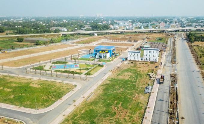 Một dự án bất động sản liền thổ tại Long An. Ảnh: Minh Lê