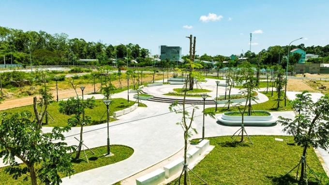 Là dự án trọng điểm của chủ đầu tư TNR Holdings Vietnam tại Trà Vinh, TNR Amaluna được chú trọng đẩy nhanh thi công từ hạ tầng, giao thông đến các mảng xanh công viên.