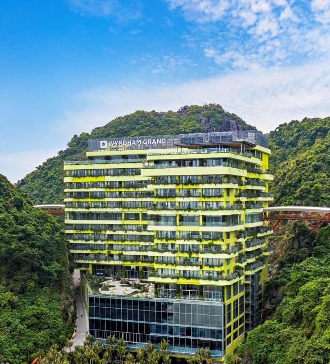 Wyndham Grand chính thức trở thành đơn vị quản lý vận hành của Flamingo Cat Ba Resorts.
