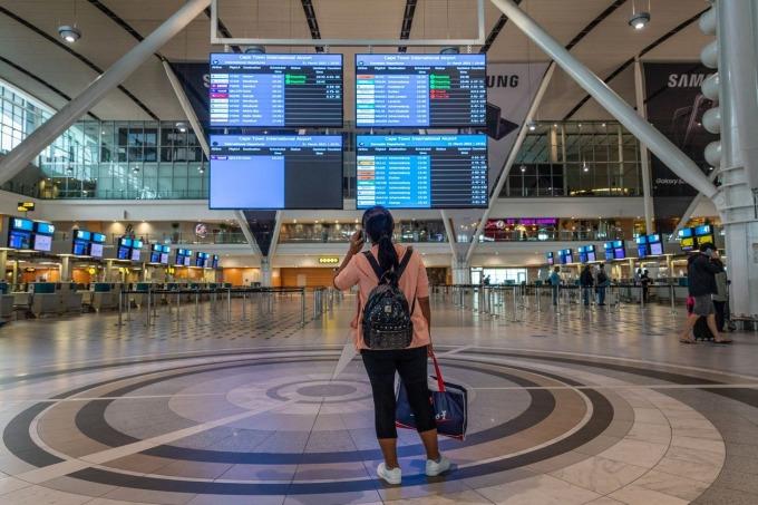 Sân bay Quốc tế Cape Town, Nam Phi vào hôm 31/3. Ảnh: Bloomberg.