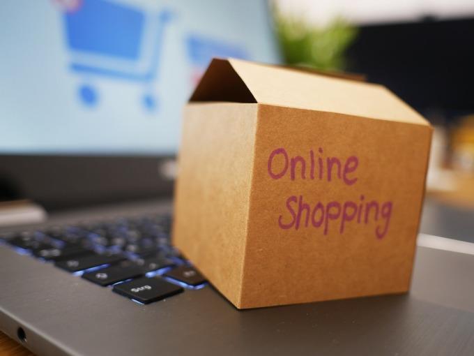 Thương mại điện tử toàn cầu tăng trưởng 25-30% trong đại dịch. Ảnh: Pixabay.