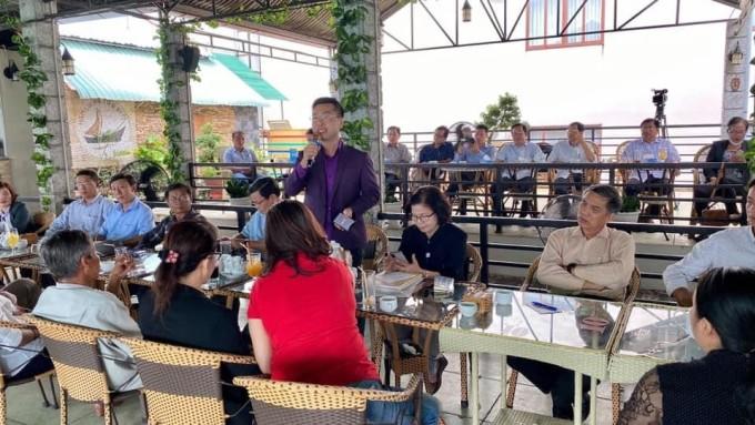 Ông Nguyễn Minh Đức - CEO IM Group, tư vấn xây dựng thương hiệu sản phẩm Việt Nam ra quốc tế cùng Chủ tịch Hội Hàng Việt Nam Chất lượng cao. Ảnh: IM Group.