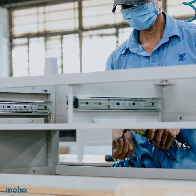 Các sản phẩm nội thất MOHO được sản xuất tại nhà máy Savimex với hơn 35 năm kinh nghiệm trong sản xuất và xuất khẩu.