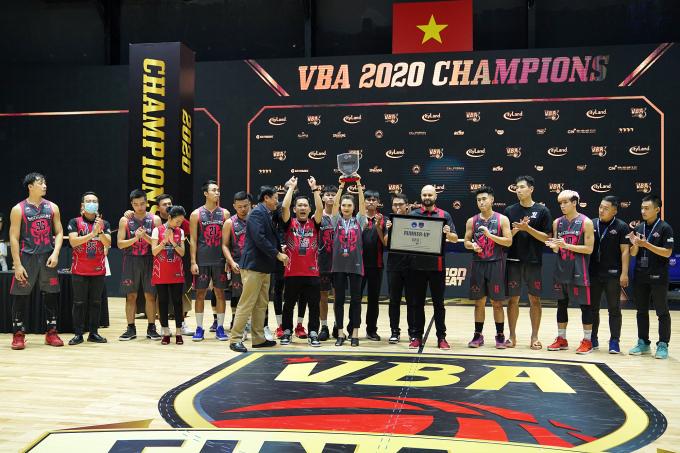 Thang Long Warriors trở thành Á Quân mùa giải VBA 2020.