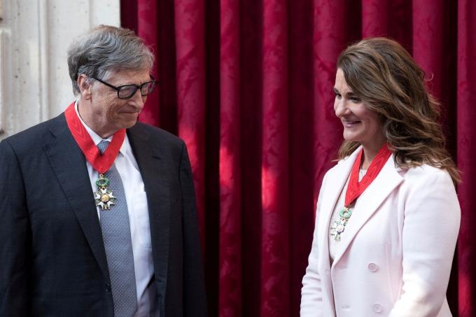 Vợ chồng Bill Gates tại Paris (Pháp) năm 2017. Ảnh: Reuters