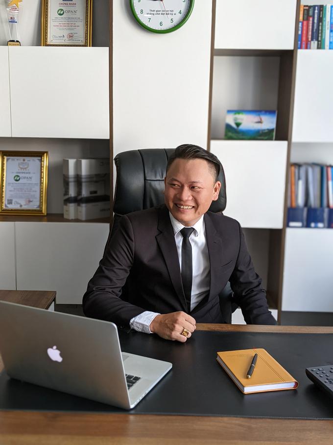 Để OPAN phát triển như ngày hôm nay, Phó tổng giám đốc Đỗ Trọng Nghĩa và các lãnh đạo công ty đã nhiều lần trải qua những cuộc họp kéo dài từ 5 giờ chiều đến sáng sớm hôm sau.
