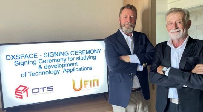 Đại diện Ufin trong buổi ký kết online với Liên minh DTS. Ảnh: DTS.