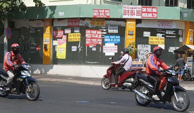 Mặt bằng trống trên đường Nguyễn Thị Minh Khai, quận 1, TP HCM. Ảnh: Trung Tín.