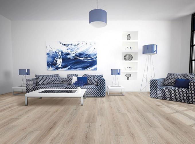 Một căn phòng sử dụng sàn gỗ cốt đen Dremlux.