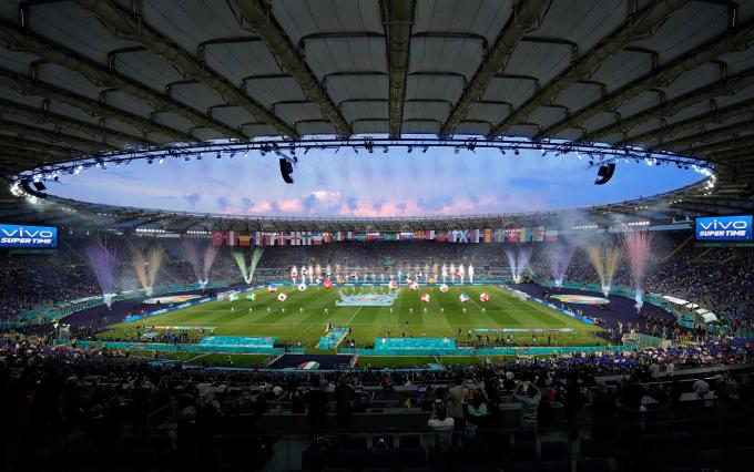 Người hâm mộ có thể xem những trận cầu UEFA Euro 2020 và chia sẻ những khoảnh khắc hòa nhịp cùng bóng đá qua chiến dịch Mãnh liệt cùng Vivo, say mê cùng bóng đá của Vivo. Thông tin chiến dịch được đăng tải trên website chính thức của Vivo hoặc Fanpage chính thức của Vivo tại đây.