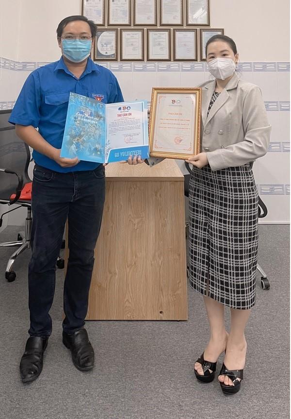 Hàng trãm ngàn chiếc khẩu trang Dr Medical Mask vừa được nhà sản xuất và AB Beauty World trao tặng cho các cơ quan đoàn thể để hỗ trợ công tác phòng chống Covid-19