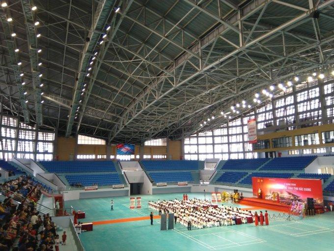 Điện Quang và Schréder hợp tác và triển khai hệ thống chiếu sáng cho Nhà Thi Đấu Bắc Giang. Ảnh: Điện Quang