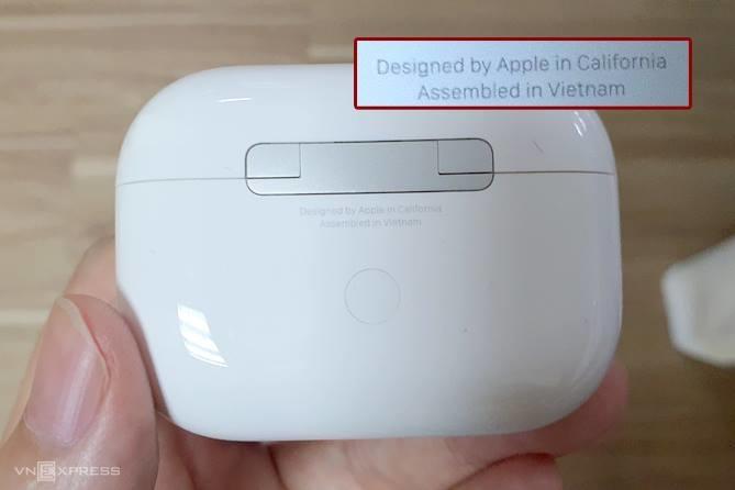 Mẫu AirPods Pro được sản xuất tại Việt Nam. Ảnh: Huy Nguyễn