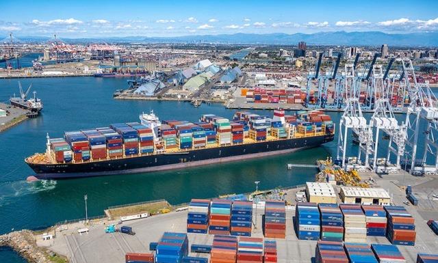Ảnh: Phí vận chuyển tăng cao do đóng cửa một số cảng tại Trung Quốc. Ảnh: Splash247.