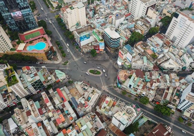 Thị trường nhà phố tại ngã sáu Phù Đổng, khu trung tâm quận 1, TP HCM mùa giãn cách. Ảnh: Quỳnh Trần