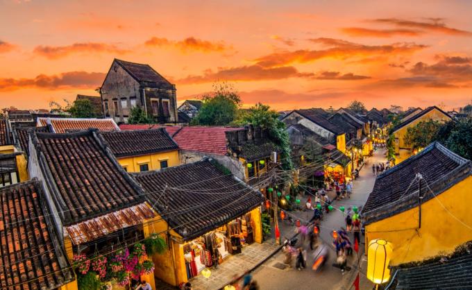 Hội An ngày càng đa dạng hóa các loại hình lưu trú và trải nghiệm văn hóa để giữ chân du khách. Nguồn: Shutterstock.